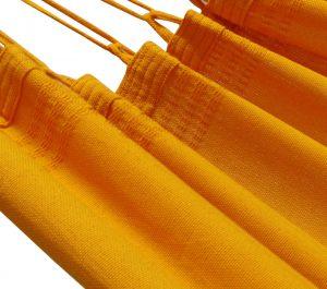 1-2 persoons groot. Prachtige sinaasappel oranje kleur grote 1-persoons Braziliaanse hangmat. Laaggeprijsd maar super degelijk en sterk. ambachtelijk en verantwoord gemaakt in Brazilië in Brazilië. Beste hangmatten ter wereld
